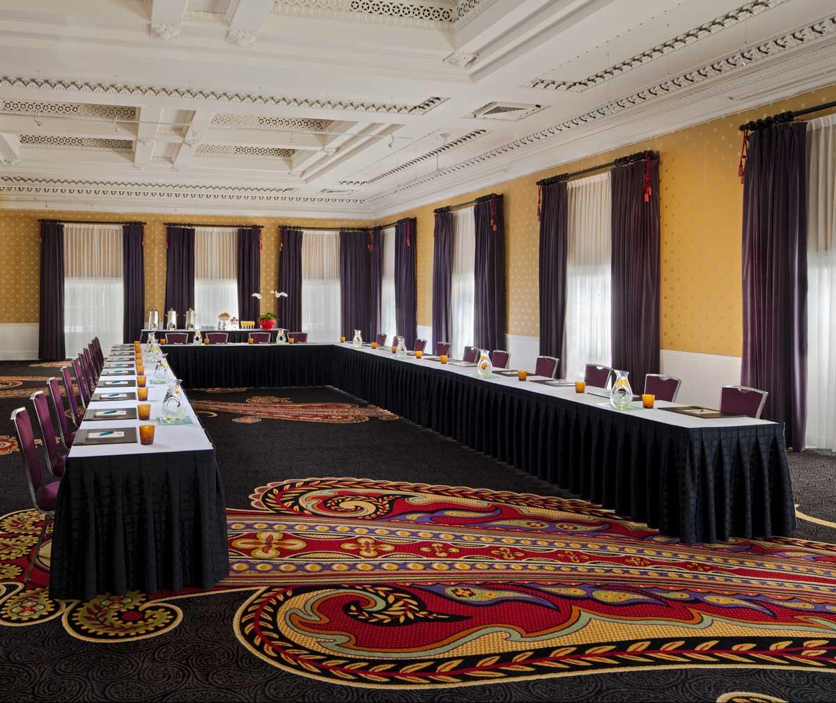 Sala de reuniones del Kimpton Hotel Monaco Athens: espacio para reuniones ejecutivas en Washington, DC
