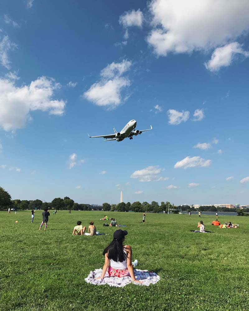 @___dpa - Watching airplanes land at Gravelly Point Park in Virginia - Great date and picnic spot near Washington, DC