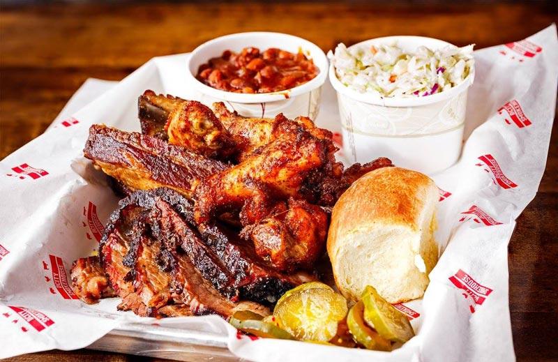 Barbacoa de DCity Smokehouse: los mejores lugares para comer en el vecindario Bloomingdale de DC