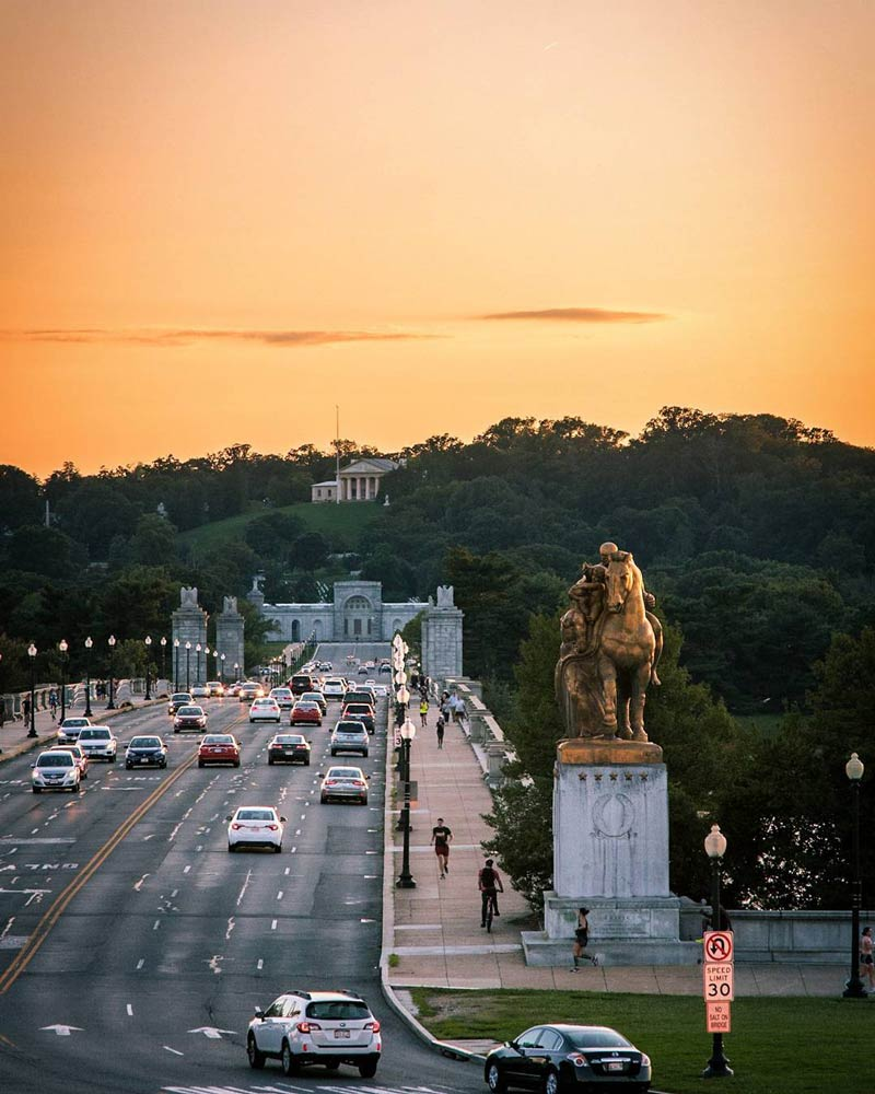 @jshadow_photography - Summer sunset over Arlington Memorial Bridge and Avenue with view of Arlington National Cemetery from DC