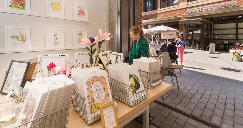 Paseo de las artes por el mercado de la calle Monroe - Brookland, Washington, DC