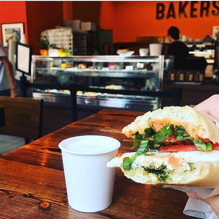 Sandwich von Bäckern und Baristas in Chinatown - Frühstücks- und Cafés in der Nähe des Kongresszentrums in DC