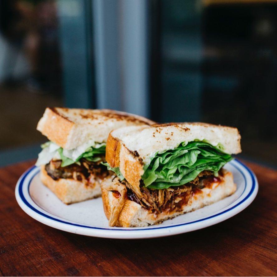 Sandwich von A Baked Joint in Mount Vernon Square - Orte zum Frühstücken in der Nähe des Kongresszentrums in Washington, DC