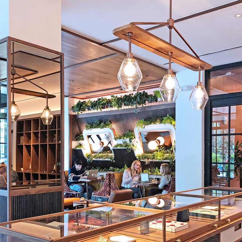 @shullman - Gäste im Kintsugi im Eaton Hotel - Die besten Aktivitäten in Downtown Washington, DC