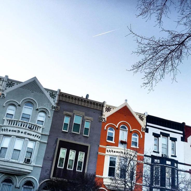 @flipflopcaravan - Reihenhäuser in der H Street NE im Winter - Nachbarschaften in Washington, DC