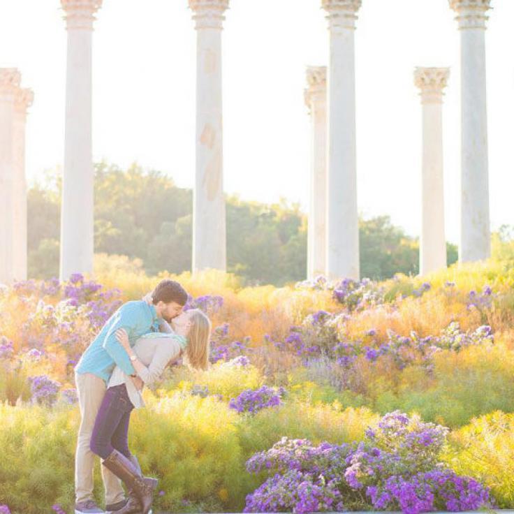 @leighannburdett - Pareja en US National Arboretum National Capitol Columns - Lugares románticos en Washington, DC