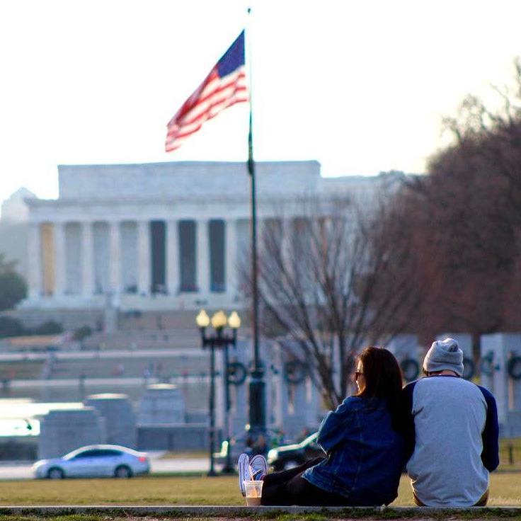 @ li.zhujun - Pareja en el National Mall - Invierno en Washington, DC