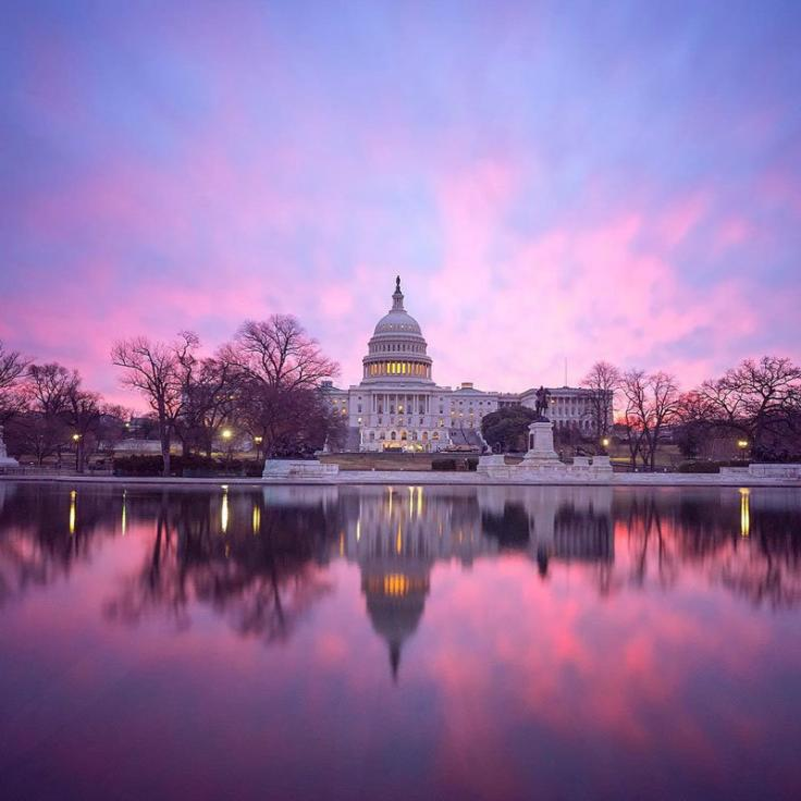 @nursetheresa - Schöner Sonnenaufgang über dem Kapitol der Vereinigten Staaten - Wahrzeichen in Washington, DC