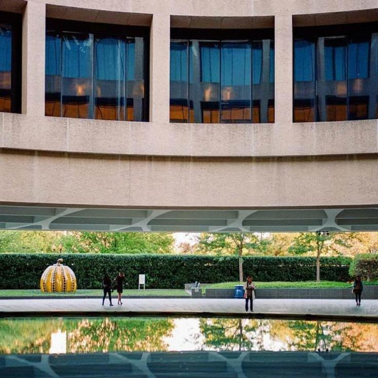 @teamgrayduck - Exterior of Smithsonian Hirshhorn Museum on the National Mall - Free Modern Art Museum in Washington, DC
