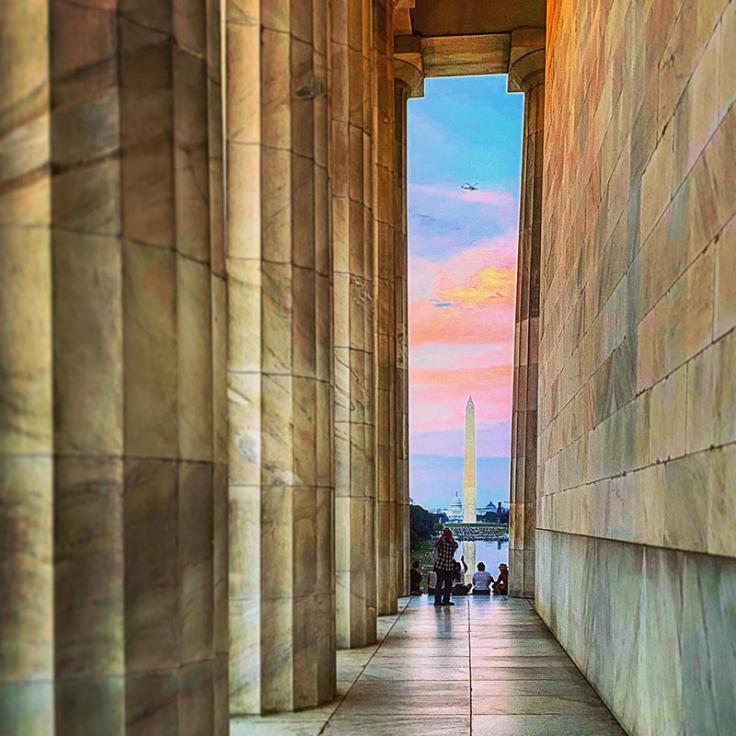 Washington Monument, aufgenommen bei Sonnenuntergang vom Lincoln Memorial