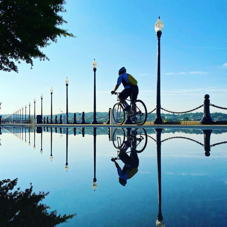 @monikerdc - Motociclista en DC con Reflection