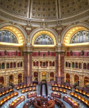 Sala de lectura principal de la Biblioteca del Congreso en el edificio Thomas Jefferson, la biblioteca más grande del mundo en Washington, DC