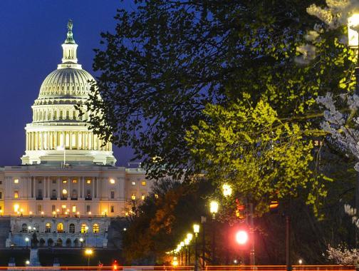 Capitolio de los Estados Unidos en la noche