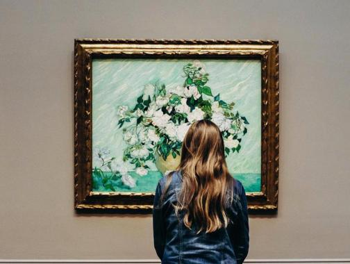 @_abbyderrick - Woman viewing Vincent Van Gogh's Roses at the National Gallery of Art - Master painters at Washington, DC art museums